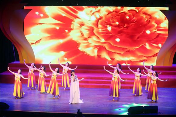 上海白玉兰剧场_上海文联-白玉兰戏剧表演艺术奖艺术团走进金山
