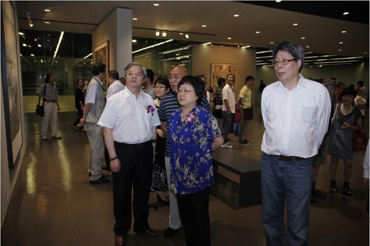 庆祝建国65周年上海美术作品展暨第十二届全国美展选拔展开幕