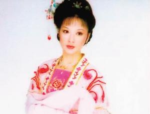 亚芬和她主演的越剧角色 -上海文联